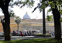 Peter's Square in Rome, Coral Guest House is 700 metres from Ottaviano Metro Station. Metro Station, Rome, Taj Mahal, Coral, Building, Travel, Italia, Viajes, Buildings
