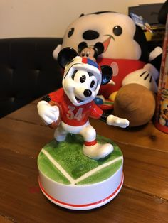 Mickey Mouse Room, Cake, Desserts, Food, Pie Cake, Meal, Cakes, Deserts, Essen