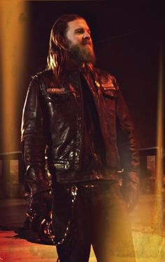 What will happen when SAMCRO is sent to help fix up the place as part of their community service? Charlie Sons Of Anarchy, Sons Of Anarchy Samcro, Sons Of Anachy, Sons Of Anarchy Motorcycles, Ryan Hurst, Sisters Of Mercy, Raining Men, Charlie Hunnam, Cultura Pop