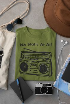Steely Dan FM No Static at All T Shirt Hand screen-printed Men's / Ladies / Fitted Donald Fagan / Jazz / Guitar / Blues by cottonpickincrazy on Etsy Steely Dan Fm, Jerry Garcia Hand, Jazz Guitar, Band Shirts, Quality T Shirts, Green And Orange, Classic T Shirts, Long Sleeve Tees, Blues