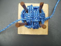 ABOK 2207 Split Faced Monkey Fist Knot : 9 Steps (with Pictures) - Instructables Rope Knots, Macrame Knots, Rope Crafts, Diy And Crafts, Monkey Fist Knot, Paracord Monkey Fist, Paracord Braids, Card Weaving, Do It Yourself Jewelry