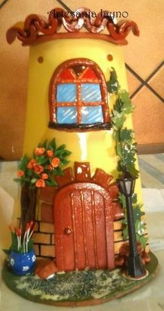 TEJA DECORADA Paper Mache Crafts, Clay Pot Crafts, Polymer Clay Projects, Polymer Clay Art, Wood Crafts, Fun Crafts, Clay Fairy House, Fairy Houses, Cute Little Houses