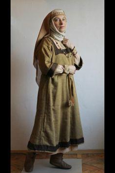 Новгород, на рубеже 11-12вв костюм зажиточной горожанки