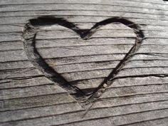 Herz in Holz geschnitzt von mhatheuer