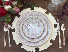 Modern Chargers plus Vintage China!  Dixie Does Vintagein Dallas Tx