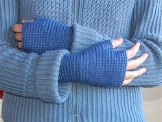 Free Crochet Basic Fingerless Mittens Pattern.