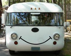 The key to happy camping is to keep the positive attitude if something goes wrong. Here are 5 key points so that you can unleash the Happy Camper in you. Cool Campers, Rv Campers, Camper Trailers, Happy Campers, Camper Van, Happy Bus, Rv Trailer, Vw Bus, M Bmw