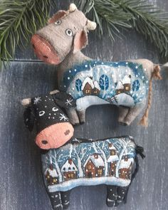 Yarn Crafts, Felt Crafts, Country Girl Life, Fabric Toys, Felt Animals, Softies, Pin Cushions, Quilt Patterns, Dinosaur Stuffed Animal