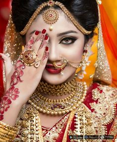 Awesome Bridal Makeup in Bhubaneswar at Affordable Makeup Cost Indian Wedding Poses, Indian Bridal Photos, Indian Bridal Fashion, Indian Bridal Wear, Indian Bride Poses, Asian Bridal, Asian Fashion, Wedding Photos, Women's Fashion