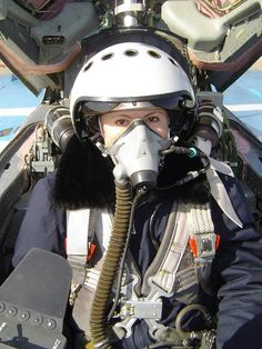 Photo of Beautiful Female Fighter jets pilots - Fighter Jets World Jet Fighter Pilot, Air Fighter, Female Fighter, Fighter Jets, Female Pilot, Female Soldier, Gas Mask Girl, American Veterans, Military Women