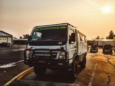 The Earth Cruiser is like a rugged eco-RV that takes you both off-road and off-grid