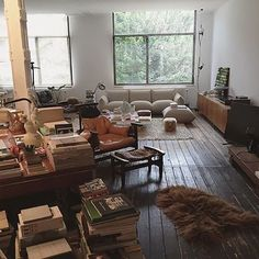 42 Amazing Rustic Minimalist Apartment Interiors Design - Hobbies paining body for kids and adult Interior Design Hd, Apartment Interior Design, Interior Architecture, Modern Interior, Wooden House Design, Home Decoracion, Minimalist Apartment, Minimalist Kitchen, Apartment Living