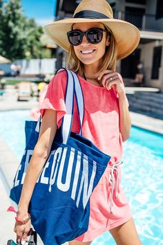 Christine Andrew of Hello Fashion in a red top, sunhat, and black oversized sunglasses Pool Day Outfits, Summer Outfits, Casual Outfits, Picnic Outfits, Pool Fashion, Fast Fashion, Women's Fashion, Spring Summer Fashion, Autumn Fashion