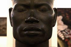 Sculpture au Musée des beaux arts d'Hanoi au Vietnam. Hanoi, Vietnam, Muse, Sculpture, Fine Arts Museum, Fine Art Paintings, Sculptures, Sculpting, Statue