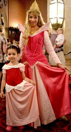 A comfy knit Princess Aurora costume with a free collar pattern piece. Princess Frocks, Princess Dress Patterns, Princess Dress Kids, Princess Party, Princess Aurora Costume, Disney Princess Costumes, Disney Costumes, Sleeping Beauty Dress, Beautiful Evening Gowns