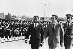 Samora Machel e Ramalho Eanes passam revista à guarda de honra. Fonte: Arquivo Lusa. Popular, Rolodex, Popular Pins, Most Popular