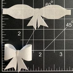 Diy Hair Bows, Diy Bow, Paper Flowers, Paper Bows, Edible Glue, Bow Template, Paper Crafts, Diy Crafts, Wafer Paper