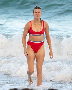 eugenie bouchard wears a red bikini as she enjoys a beach day with her friends in miami, Bikini Pictures, Bikini Photos, Red Bikini, Bikini Girls, Bikini Babes, Eugene Bouchard, Maria Sharapova Photos, Tennis Players Female, Girl Celebrities