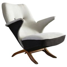 Penguin Chair by Theo Ruth, 1957.      seems like a far too comfortable chair to really exist