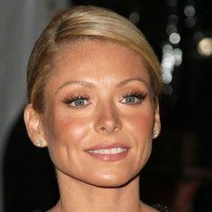 Kelly Ripa makeup