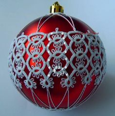 Going to try needle tatting this...