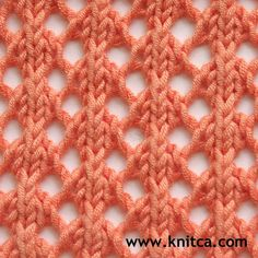 Right side of knitting stitch pattern – Lace 17 : www.knitca.com