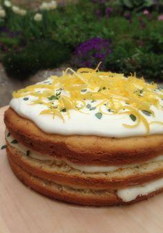 Lemon&Thyme naked cake #lemon #thyme #nakedcake