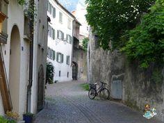 Calles de Maienfeld Exploring, Swiss Alps, Switzerland, Planets, Street, Viajes, Architecture, Study, Explore