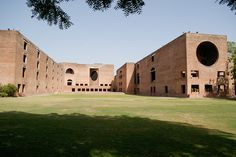 Indian Institute of Management - Louis Kahn, 1962-1974 - Ahmedabad IN