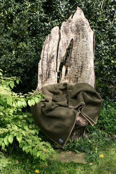 Eden Tranquilitie 100% wool blanket, ideal for a picnic in the coming summer months. Super gift for outdoor lovers. www.tranquilitie.com