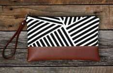 Black and White Geometric Stripe Canvas Clutch by SweetPeaTotes Diy Clutch, Clutch Bag, Pochette Diy, Best Leather Wallet, Striped Canvas, Black Canvas, Handbag Patterns, Leather Projects, Handmade Bags
