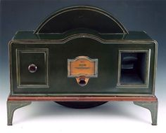 Baird Televisor, the first British commercially sold televison set, between 1930 and 1933