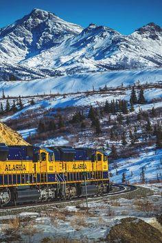 Mountain Train - Fairbanks, Alaska, USA  (by Andreas Maier on 500px)