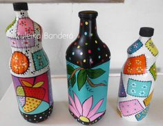 Garrafa reciclada Wine Bottle Art, Painted Wine Bottles, Wine Bottle Crafts, Bottle Drawing, Bottle Painting, 50 Diy Crafts, Crafts From Recycled Materials, Recycled Bottles, Glass Art