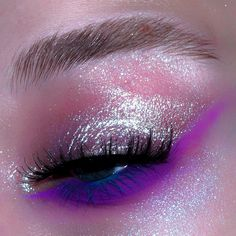 "ultraviolet __ ""Big Ego"" Jelly Much shadow + ""Lucky Penny"" liquid shadow Purple and… Makeup Inspo, Makeup Art, Makeup Inspiration, Makeup Tips, Beauty Makeup, Hair Makeup, Cute Makeup, Pretty Makeup, Makeup Looks"
