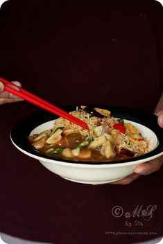 Mushroom in Garlic Sauce Recipe | Indo-Chinese Recipe for Mushroom in Creamy Garlic Gravy