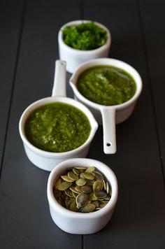 Minz-Petersilien-Kürbiskern-Pesto Pesto, Guacamole, Ethnic Recipes, Food, Parsley, Food Ideas, Foods, Cooking, Essen