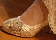 Vintage Lace Shoes with Swarovski Crystal