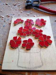 Felicity Ball mosaics: A step by step guide to making a red geraniums mosaic.You can find Mosaic designs and more on our webs. Mosaic Tray, Mosaic Tile Art, Mosaic Tile Designs, Mosaic Artwork, Mosaic Patterns, Mosaic Table Tops, Mosaics, Pebble Mosaic, Mosaic Mirrors