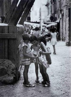 Girls' secret.. //  by Mario Cattaneo, Italy, 1950s