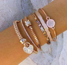 Jewelries, bracelets