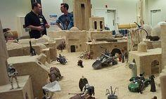 The Ultimate Hasbro Star Wars Dioramas Site - Celebration II Diorama Workshop - Finished Diorama Figuras Star Wars, Custom Action Figures, Star Wars Collection, Star Wars Art, Custom Stuff, Sci Fi, Workshop, Models, Geek Chic