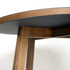 TR Side table