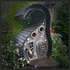 Old Creaky Witch on the hill bird house/bird house /handmade /Garden art /bird houses /birdhouses Fairy Garden Houses, Garden Art, Three Witches, Pintura Exterior, Halloween Fairy, Fairy Doors, Miniature Fairy Gardens, Winter Garden, Plein Air
