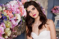Beauty tips to have a porcelain skin on your wedding day Beauty tips to have a porcelain skin on your wedding day After months of preparation, very long checklists to plan the perfect wedding, and endless hours working out every last detail, you may have neglected your beauty routine. Every bride wants the flawless wedding-day skin. Having a photographer ...