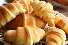 Homemade Crescent Rolls :: Home Cooking Adventure... I am making these next weekend.... mmmm