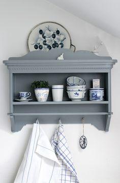 Kitchen shelf. I want something like this for my kitchen...