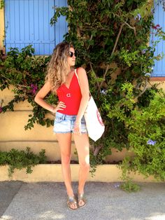 Red Malibu on my blog ! www.marieandmood.com @jeportedesandre #look #summerstyle #summer #summertime #swimwear #beach #goodtime #frenchblogger #fashion