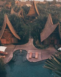 15 Best Destinations for Solo Female Travelers Bali is a great destination if you're interested in taking your first solo female travel adventure. This article has great tips and hacks plus great travel photography! Bali Travel, Travel Alone, Luxury Travel, Wanderlust Travel, Travel Set, Africa Travel, Travel Mugs, Family Travel, Amazing Destinations