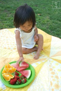 Tutorial: Sunburst Picnic Blanket – you and mie Picnic Quilt, Picnic Mat, Picnic Blanket, Beach Towel Bag, Sewing Projects, Projects To Try, Sewing Ideas, Maybe One Day, Easy Quilts